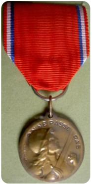 bcce3f811cc702 travers le monde et pour les siècles futurs, la ville de Verdun, inviolée  et debout sur ses ruines, dédie cette médaille de sa reconnaissance. »